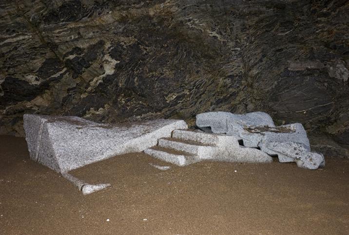 http://francoistaverne.com/files/gimgs/15_sculpture-l1001191.jpg